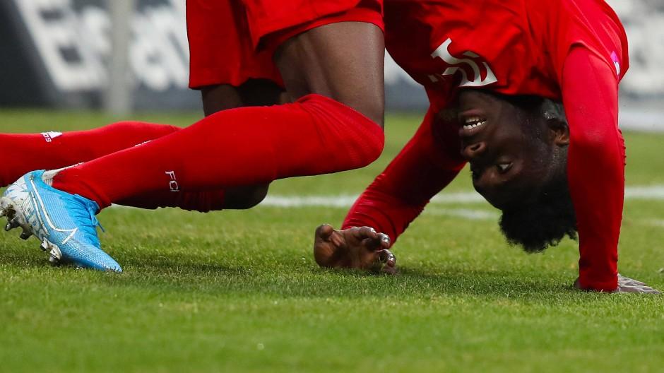 In Nürnberg geriet die Fußballwelt des FC Bayern in der zweiten Hälfte ins Wanken.