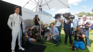 Lance Stroll sonnt sich im Rampenlicht der Rennserie: Papa zahlt