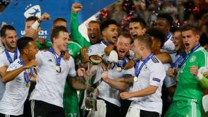 Die deutsche U 21 macht ihr Meisterstück