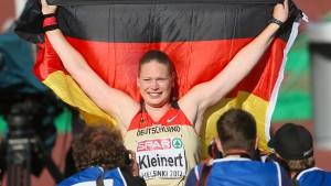 Nadine Kleinert und die nachgereichten Medaillen