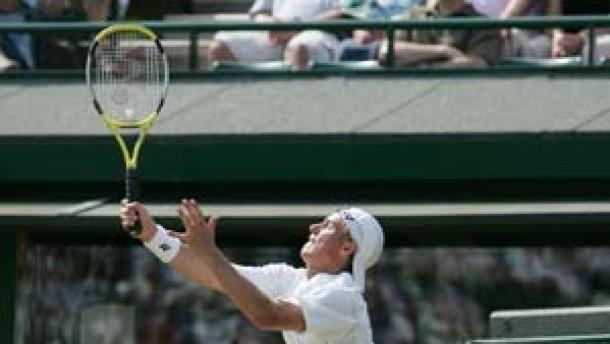 Hewitt jagt Seriensieger Federer