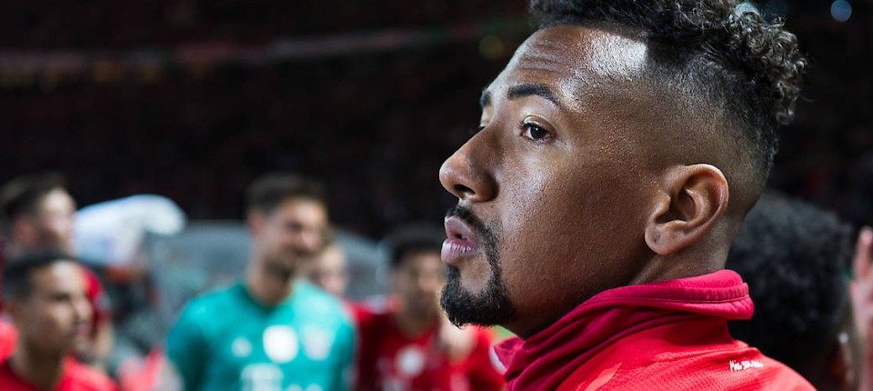 Fc Bayern Munchen Drangt Jerome Boateng Zum Abschied