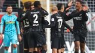 Souveränes Spiel gegen Freiburg: Die Frankfurter Profis kamen zu einem ungefährdeten Erfolg.