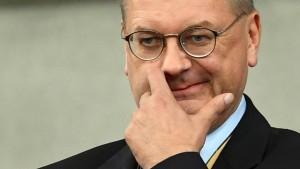 DFB-Präsident Grindel bricht Interview ab