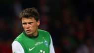 Boenisch verletzt - KSC führungslos - Wenger bestraft