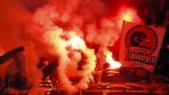 Kostenträchtig: Pyrotechnik-Einsatz im Eintracht-Fanblock