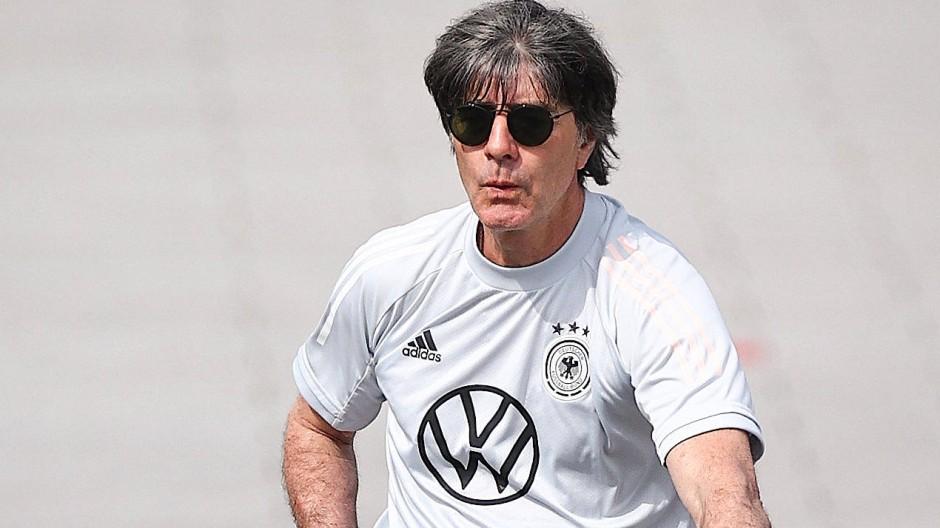 Geht es weiter bergab? Mit der EM beginnt für Bundestrainer Joachim Löw die letzte Phase.