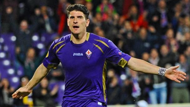 Gomez trifft, Florenz weiter