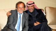 Ein schönes Paar: Michel Platini will Fifa-Präsident werden. Und er weiß, dass dies nur mit Hilfe von Ahmad al Fahad al Sabah geht