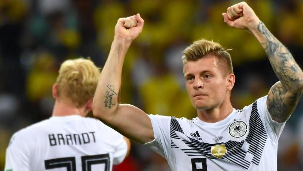 Deutschland siegt mit einem Schuss Glück