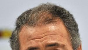 Moustafa fordert Spitzenfunktionär Oswald heraus