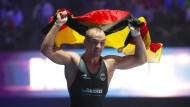 Weltmeister in zwei Klassen: Frank Stäbler krönt sich in PAris zum Weltmeister in der Klasse bis 71 Kilogramm