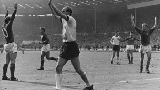"""""""Die dunkelste Stunde für Englands Fußball - der WM-Sieg 1966"""""""