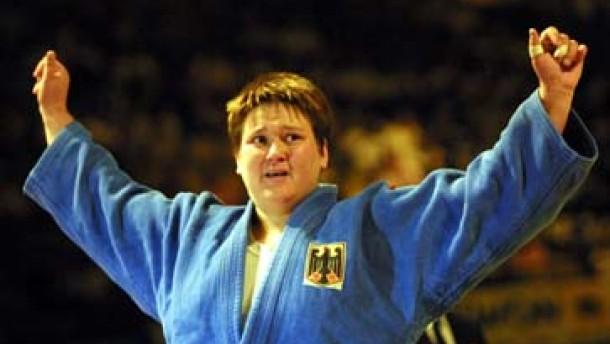 Sandra Köppen zum Auftakt mit Bronze