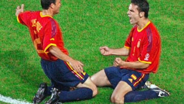Spanien schlägt Irland 4:3 nach Elfmeterschießen