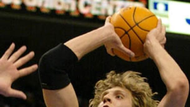 Nowitzki führt Dallas zum Sieg