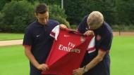 FC Arsenal stellt Özil vor