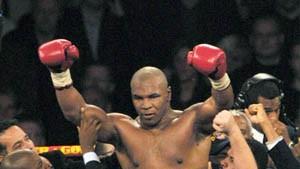 Tyson schlägt dicken Dänen