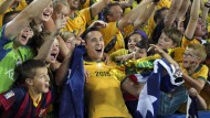 Big Party Down Under: Jason Davidson lässt sich von den Fans feiern