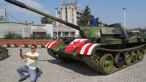 Panzer vor Stadion