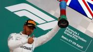 Der Sieger Lewis Hamilton nach seinem Erfolg in Baku.