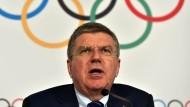 """IOC-Präsident Bach: """"Das IOC und die olympischen Fachverbände haben auch eine Verantwortung gegenüber den Gastgebern"""""""