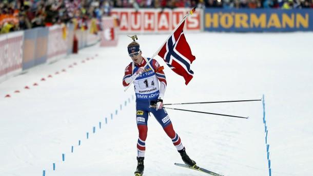 Norwegen siegt in Ruhpolding, Deutschland nur auf Platz vier