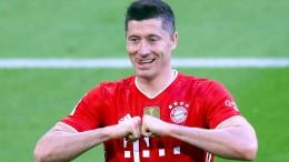 FC Bayern mit Meisterkür und Lewandowski-Gala