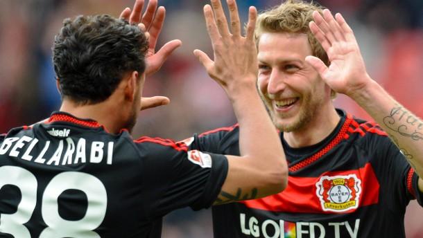 Leverkusen unterhaltsam im Abgang