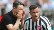 Verdeckte Ansprache: Für das Eintracht-Team von Trainer Niko Kovac war Shani Tarashaj letztmalig gegen Wolfsburg dabei.