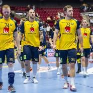 Platte geputzt: Die Spieler des schwedischen Teams nach der Niederlage gegen Norwegen.