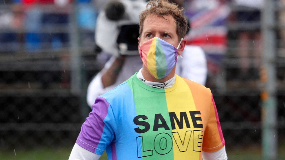 Sebastian Vettel zeigte vor dem Rennen in Ungarn deutlich die Regenbogen-Farben.