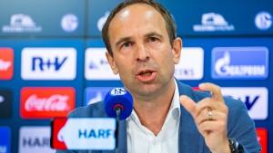 Schalke-Vorstand legt wegen Bedrohungen sein Amt nieder
