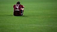Auf dem Boden der Tatsachen: Dave Bulthuis und der 1. FC Nürnberg bleiben in der zweiten Bundesliga.
