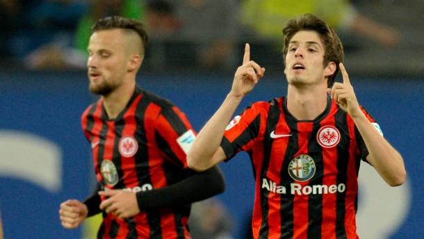 HSV schießt erstes Tor - die Eintracht gewinnt trotzdem