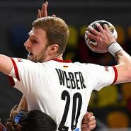 Philipp Weber und die Deutschen gewinnen klar zum WM-Auftakt.