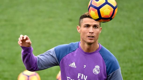 Cristiano Ronaldo verdient 600.000 Euro am Tag*