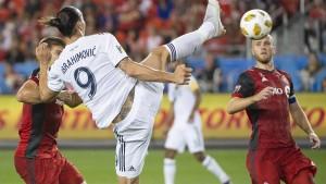 """Ibrahimovic macht es zum Jubiläum """"Zlatanesque"""""""