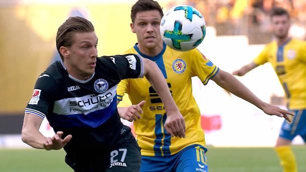 Bielefeld verliert Aufstiegsränge aus den Augen