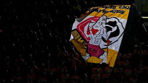 Aufmacher-Bild Fans Dynamo Dresden