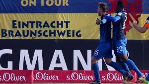 Braunschweig startet glücklich in die Rückrunde