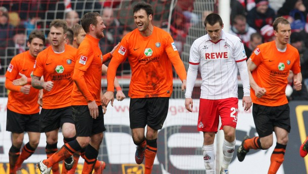Pezzoni trifft, aber Köln jubelt