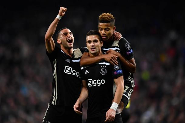 Bilderstrecke Zu Ajax Amsterdam Trainer Erik Ten Hag Lernte Von Pep