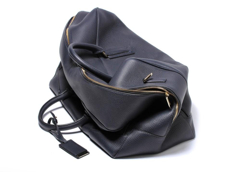 Piss in eine Tasche
