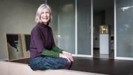 Es darf gerne ein bisschen anders sein: Hausbesetzerin Gerda-Marie Voß weiß das Baudenkmal in Viersen gut zu nutzen.