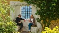 Mit dem Kopf durch die Wand: Magdalena Messner und ihr Vater auf Schloss Juval in Südtirol.