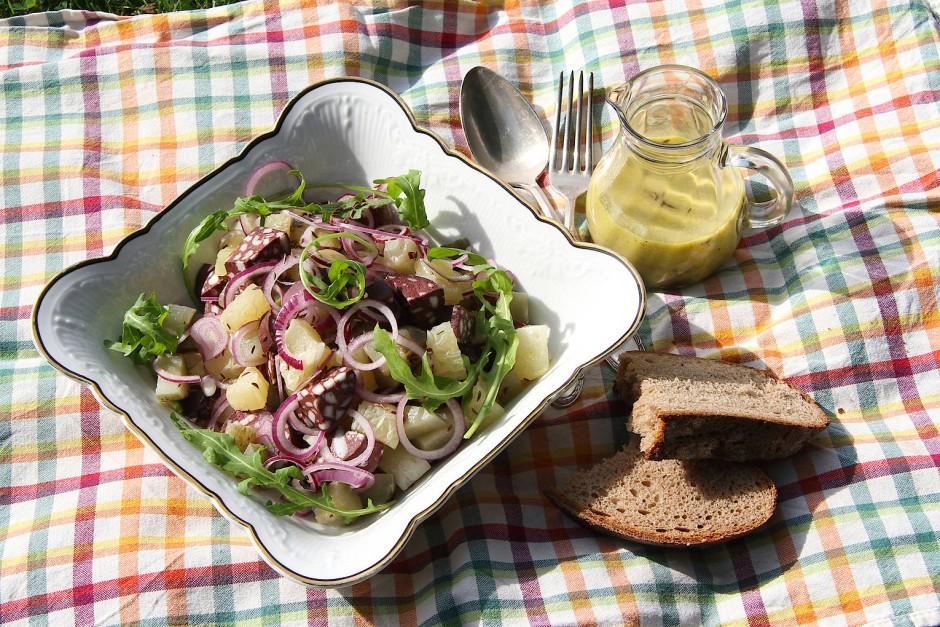 Die rheinhessische Adaption des Schweizer Wurstsalats
