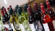 Weinflaschen im Gefrierschrank kühlen?
