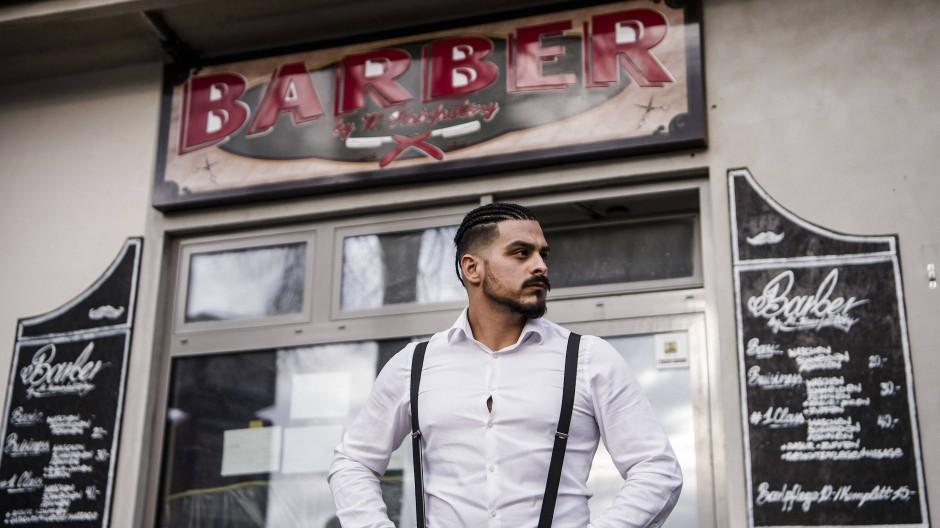 Der Weg bis zum eigenen Barber Shop in Berlin-Schöneberg war für Onay hart.
