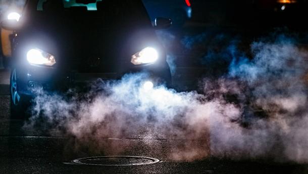 Wie sehr schaden Smog und Rauch unserer Haut?